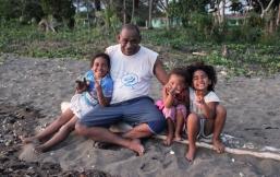 Api, Kalesi et des petites du village