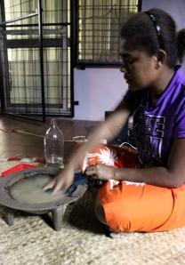 Rosa prépare le Kava