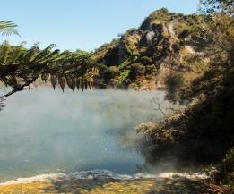 Frying pan Lake - Waimangu