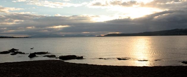 Couché de soleil sur le lac Taupo