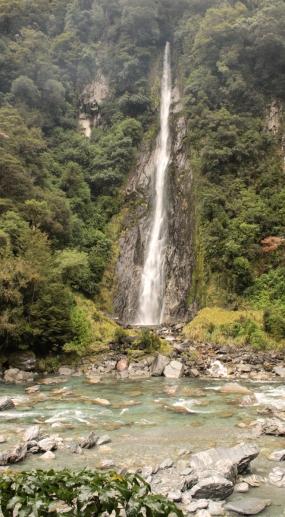 En route pour Wanaka - Cascade