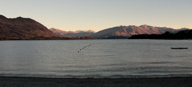 Wanaka, couché de soleil sur le lac