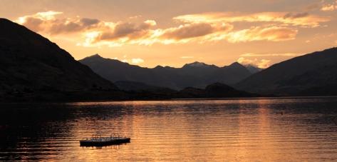 couché du soleil sur le lac Wanaka
