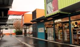 centre commercial en conteneurs