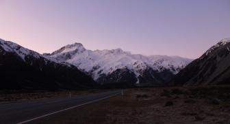 Couché du soleil sur les montagnes