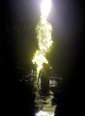 traversée de la grotte - Tour de millenium cave