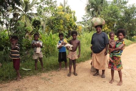 Une famille croisée en chemin - Fanafo