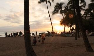 couché de soleil sur la plage de Waikiki