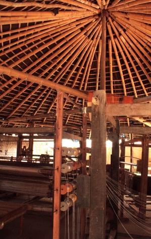 Fabrication de store en Bambou - Uravu