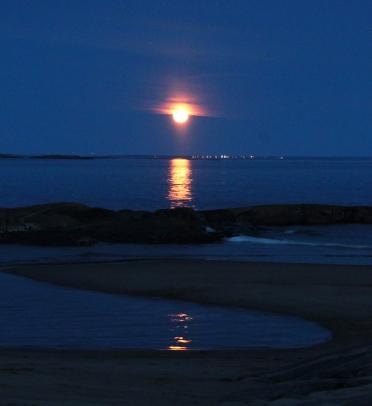 levé de la lune rousse - Aguanish